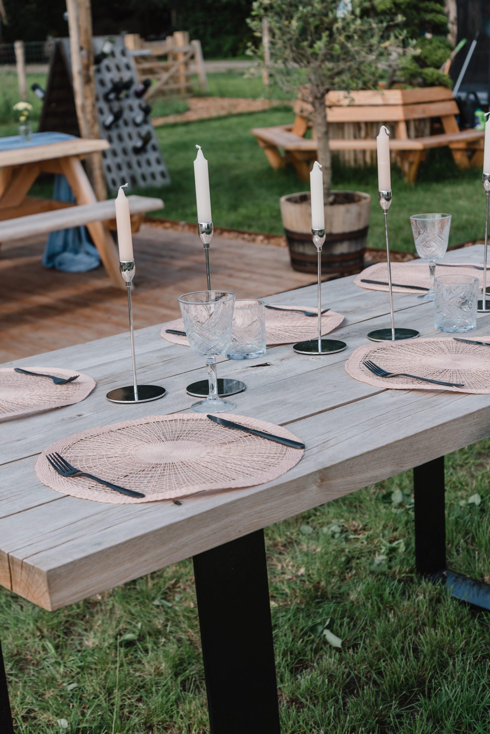 tafel kopen | stevige eikenhouten tafels | sfeervol buitenmeubiliair
